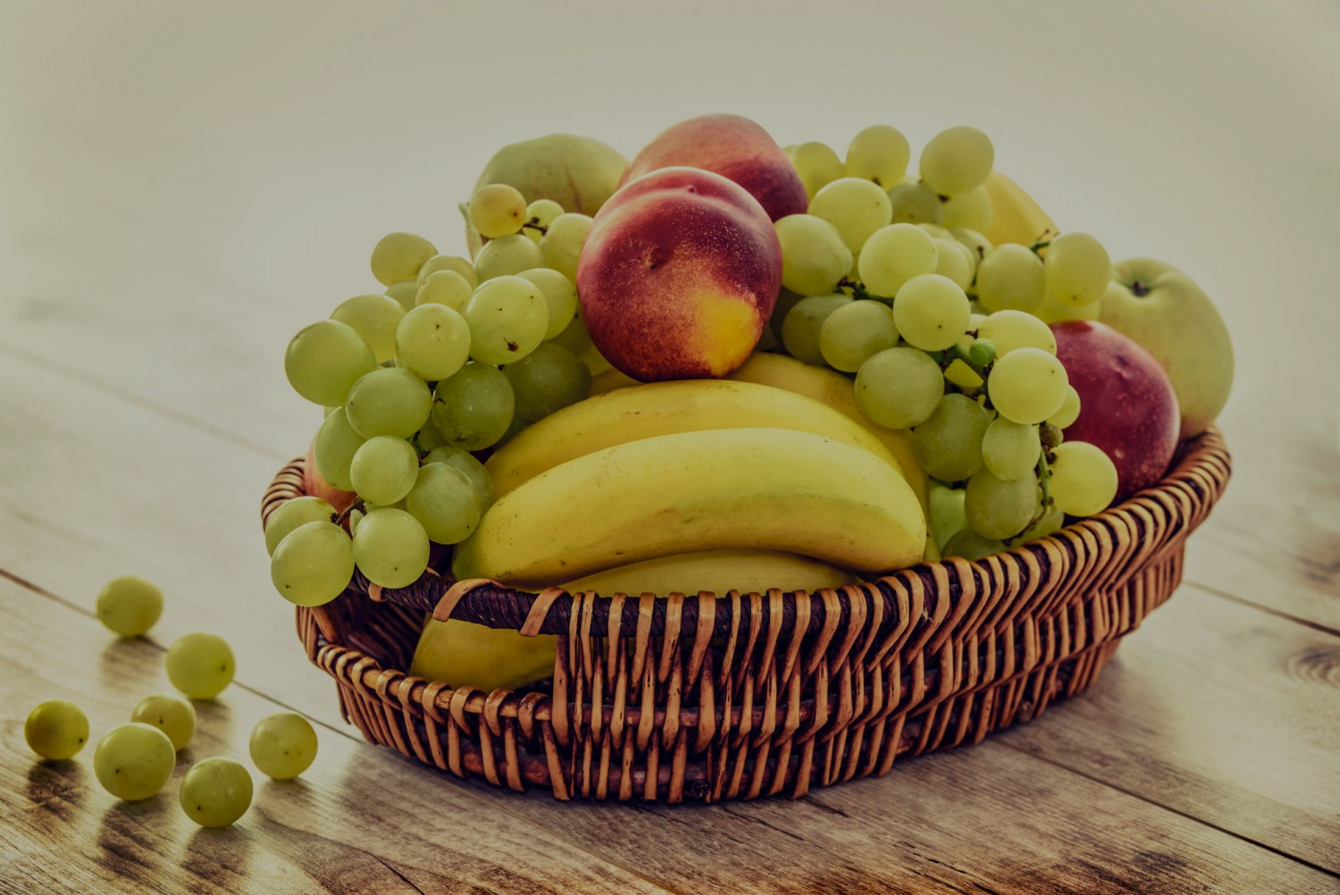 apples bananas basket 235294